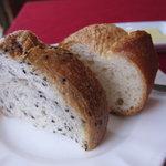 Bistro 讃世利亭 - パン。これおいしかったです。