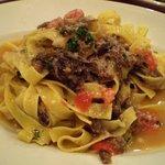 イル ヴェッキオ ムリーノ - 牛スジとフレッシュトマトのラグーソース