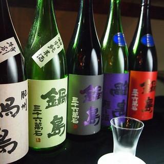 全国各地の日本酒を30種以上常備
