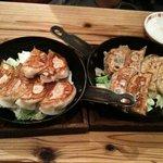 スター餃子 - スター餃子(薄皮)と明太チーズ餃子
