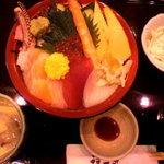 海鮮食家福一丸 - 海鮮丼ランチ (1480円)