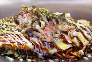 ここやねん  - カリカリに焼いた麺、とろとろの玉子が最高!!