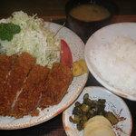 とんかつ・定食 とん亭 - 料理写真:ロースカツ定食1,000円