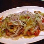 4312431 - 鶏肉と香草のサラダ