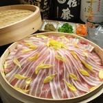 琉球豚カルビの蒸篭蒸