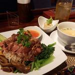 タイレストラン Smile Thailand - 「カオカームー」のランチセット(¥950)