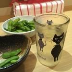 和味餃子 - カワイイ志太泉のニャンカップ。 こちらはお持ち帰りして、綿棒入れにしてます❤️