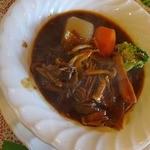 キッチン ポンム・ドゥ・テール - 牛バラときのこのワイン煮