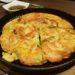 宙 SORA 韓国家庭料理&焼肉 - 海鮮チジミアップ