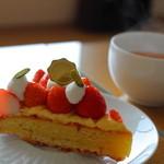乃の風リゾート - 料理写真:カフェでかったケーキ まずまずかな