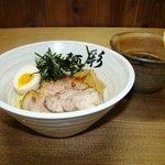 麺彩 味くら - つけ麺。つけダレは醤油と味噌が選べる。