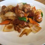 中華料理いっ軒 - 鶏のピリ辛炒め