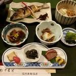 みたけ荘 - 料理写真:夕食①(前菜 川鱒レモン焼き とろろそば他)