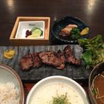 田中屋豚肉店 - 豚タン味噌漬けととろろごはんのランチ
