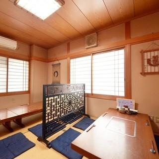 個室のお座敷は12~13名様までOK。