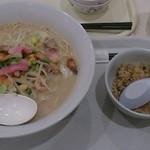 リンガーハット - 料理写真:長崎チャンポン+ミニチャーハンセット700円(税抜)