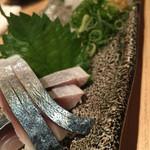 43219739 - しめ鯖と剣先イカ刺身