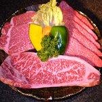 焼肉 はやしや - 料理写真:特選黒毛和牛盛り合わせ