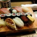 43221109 - 魚がし寿司・トロが2貫も!