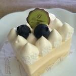 レスピレ - 料理写真:レアチーズケーキ(290円)