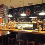スペインバル Mon-CiRCULO - 店内カウンター