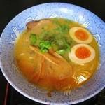 43229382 - 明神そば(醤油)700円+味玉(さぬきコーチン)120円