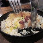 味壱家 - とんこつ飯 おこげが絶品