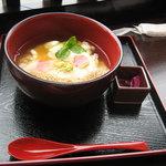 豆本舗 藤乃家 - 生姜がいいアクセントの湯葉丼