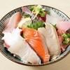 大衆魚場がり - 料理写真:概念が覆る海鮮丼