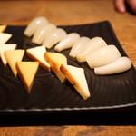 蕎 ふるやま - スモークチーズと塩らっきょう (2015/09)