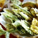 Yamabiko - 季節の山菜と野菜の天ぷら☆
