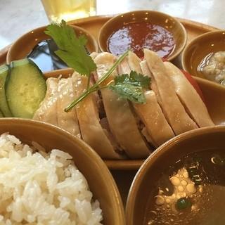 シンガポール海南鶏飯 水道橋店 - 久しぶりのシンガポールランチ、旨いなー*\(^o^)/*