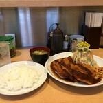 くま食堂 - ポークヘレカツ定食930円をいただきました