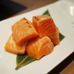 KICHIRI - とろサーモンの炙り おろしポン酢(690円・外税)