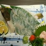 酒蔵 魚の家 - 活きカワハギ刺身、肝付き