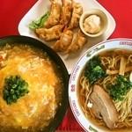 大盛 満腹 食堂 まんが喫茶はなこ - 天津飯+ラーメン+揚餃子