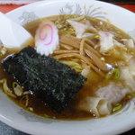 潮見軒 - 雲呑麺550円