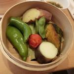 薬膳 LactoCafe(ラクトカフェ) - せいろの上段は、お野菜たち。蒸したお野菜は優しい食感でお野菜本来の味わい、、、
