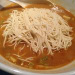 麺の坊 晴天 - 通常は辛みそラーメンは細麺です