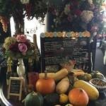 野菜がおいしいレストラン LONGING HOUSE - 旬のお野菜が紹介されています