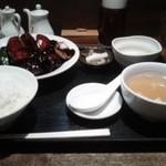 天地あまっち - 黒酢の酢豚定食