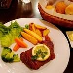 ノッカ イタリアン テーブル - お肉キコキコするナス(゜∇^d)!!