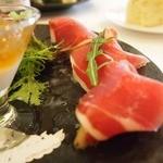ペルケノー - 料理写真:本格的なお味に満足 生ハム17年ものとか 旬の熟れたイチジクが