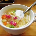 大和名物大餃子の店 サイヨー - 玉子スープ(セルフで~)