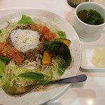 森さん家 - 「タコライス」(@890円)。お味噌汁・おつけもの付き、ご飯多めで