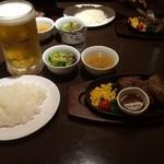 ステーキ&ハンバーグ専門店 肉の村山 - TexasステーキとSAMURAIハンバーグのセット ビール