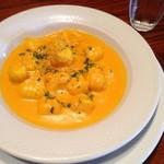 リストランテ ベニーノ - じゃが芋のニョッキ、かぼちゃペーストのクリームソース ¥1,150