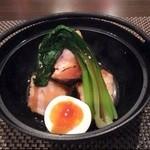 烏丸 京と BAL - 小鍋で出てくる豚の角煮、美味でした!