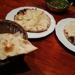 タンドールバル カマルプール - ナン/ゴルゴンゾーラクルチャ/チーズクルチャ