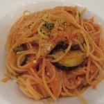 プリミアスティー&グルメ - 揚げ茄子とトマトのパスタ